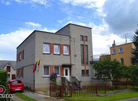 Parduodamas mūrinis dvibutis namas ramioje Žygaičių g., Sargėnuose, Kaune.