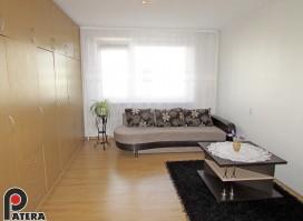 Žaliakalnyje, Riešutų gt., parduodamas įrengtas vieno kambario butas