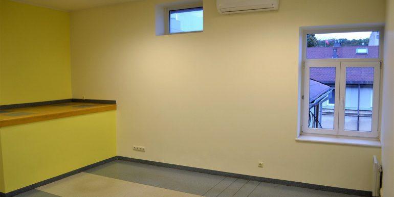 kaunas-centras-laisves-al-biuro (1)